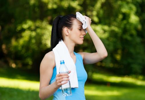 ร้อนนี้หันมาดื่ม น้ำเปล่า ขณะออกกำลังกายกันดีกว่า
