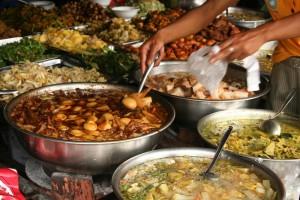 เตือนผู้ขายคุมอาหาร ให้ถูกสุขลักษณะ